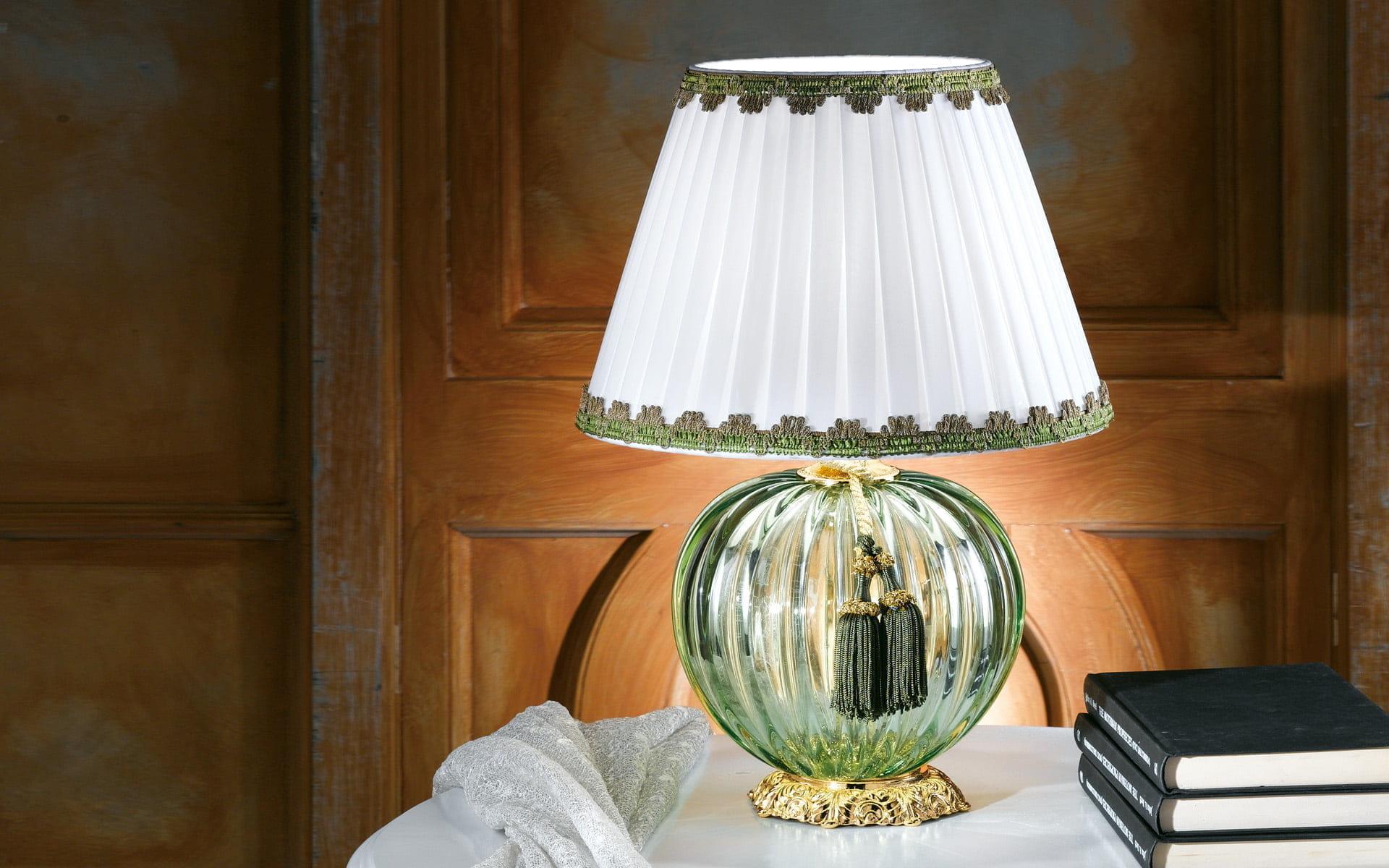 Зеленая настольная лампа своими руками 85